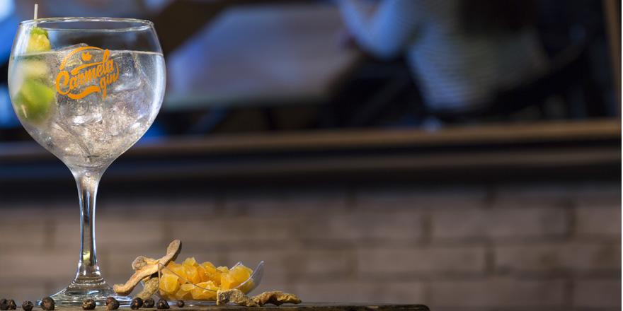 La vuelta al mundo con Carmela Gin a través de 5 costumbres a la hora de beber