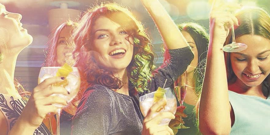 10 tipos de amigos con los que salir de fiesta by Carmela Gin